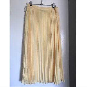 FOREVER 21 mid-length pleated skirt